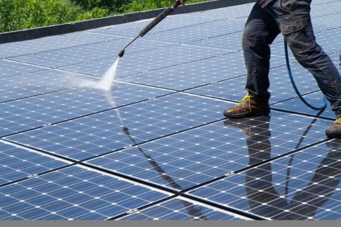 hóa chất rửa tấm pin năng lượng mặt trời Biên Hoà 2