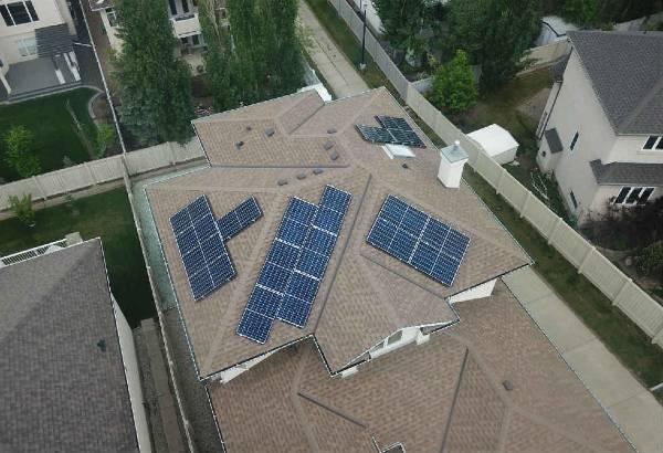 The Green Equipment chuyên cung cấp nước rửa tấm pin năng lượng mặt trời chất lượng